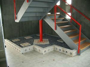メゾンドオパール 階段